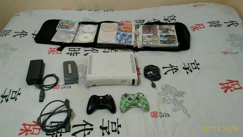 Xbox 360 con 2 Controles Y Muchos Juegos