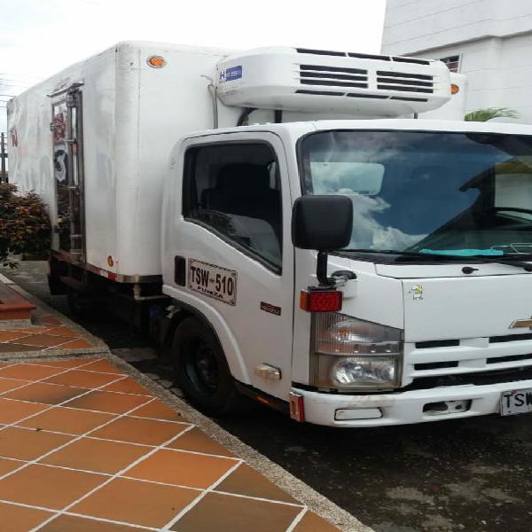 Camioneta Chebrolet Nhr Modelo 2013