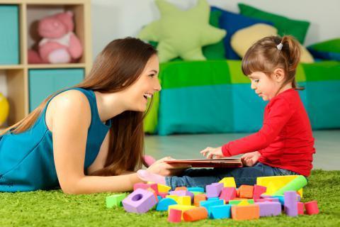 Servicio de niñera por hora