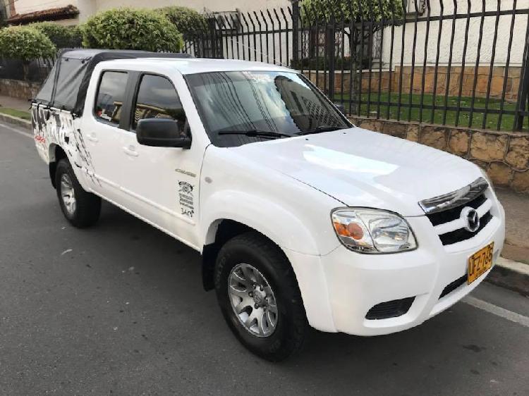 Alquiler de camioneta doble cabina Mazda BT 50