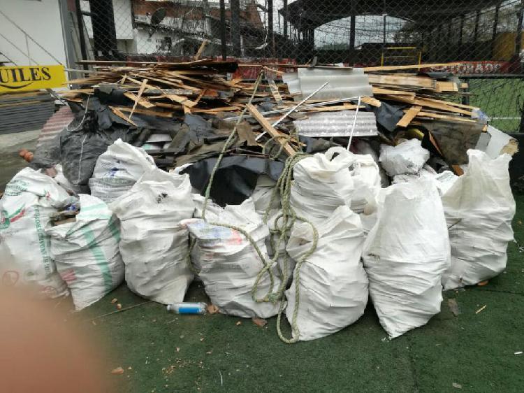 Se Botan Escombros en Medellin