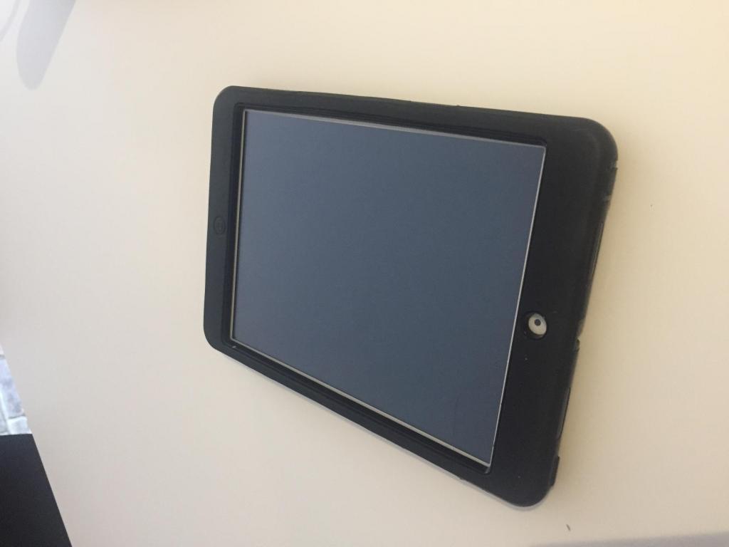 Ipad Mini 2 de 16 GB, con protector y caja original