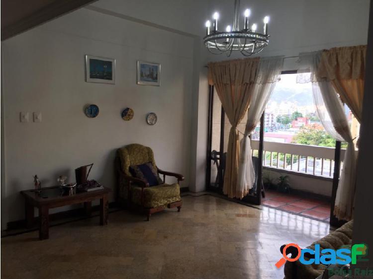 Se Vende Estupendo Apartamento en Pinares Pereira