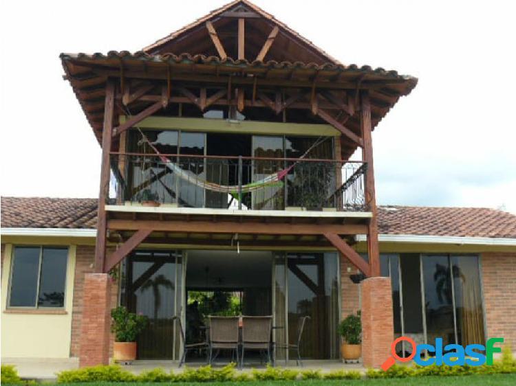 Se alquila Casa Campestre en Pereira, Combia