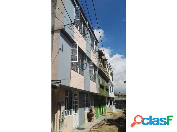 Se arrienda apartamento Barrio La Esmeralda 201