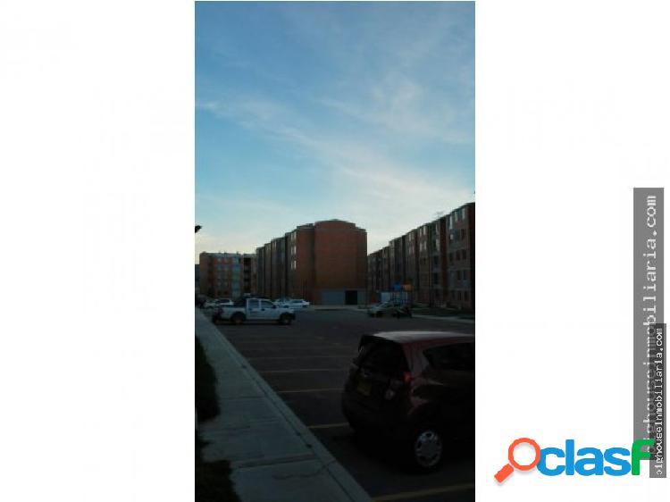 Se arrienda apartamento Parques de S Rafael T11543