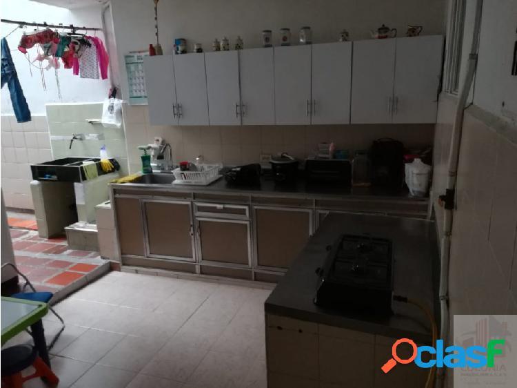 Se vende Casa en Medellín Calasanz