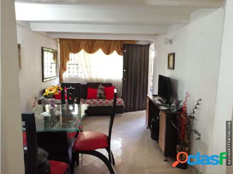 Vendo Apartamento Primer Piso en Navarra