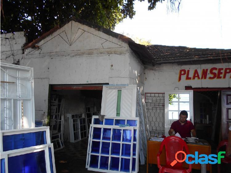 Vendo casa lote en Av. Pedro de Heredia