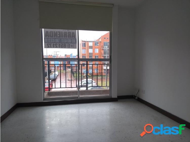 se vende/arrienda apartamento parques de v/m t3301