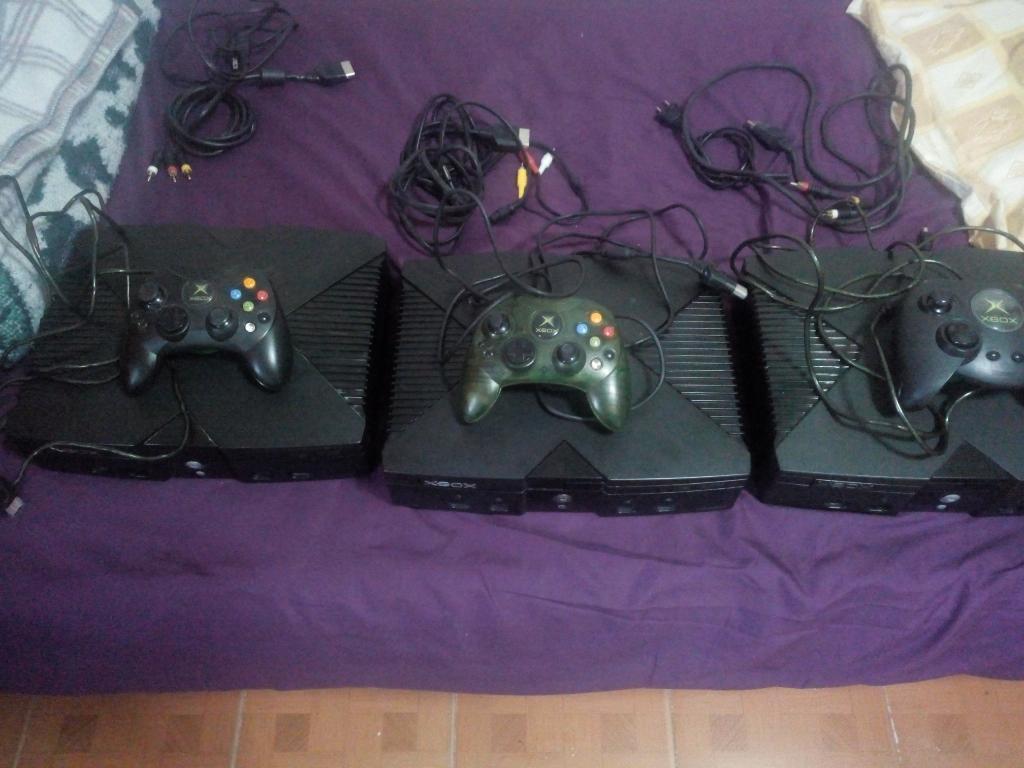 Se Vende 3 Xbox Clásico con Disco de 80