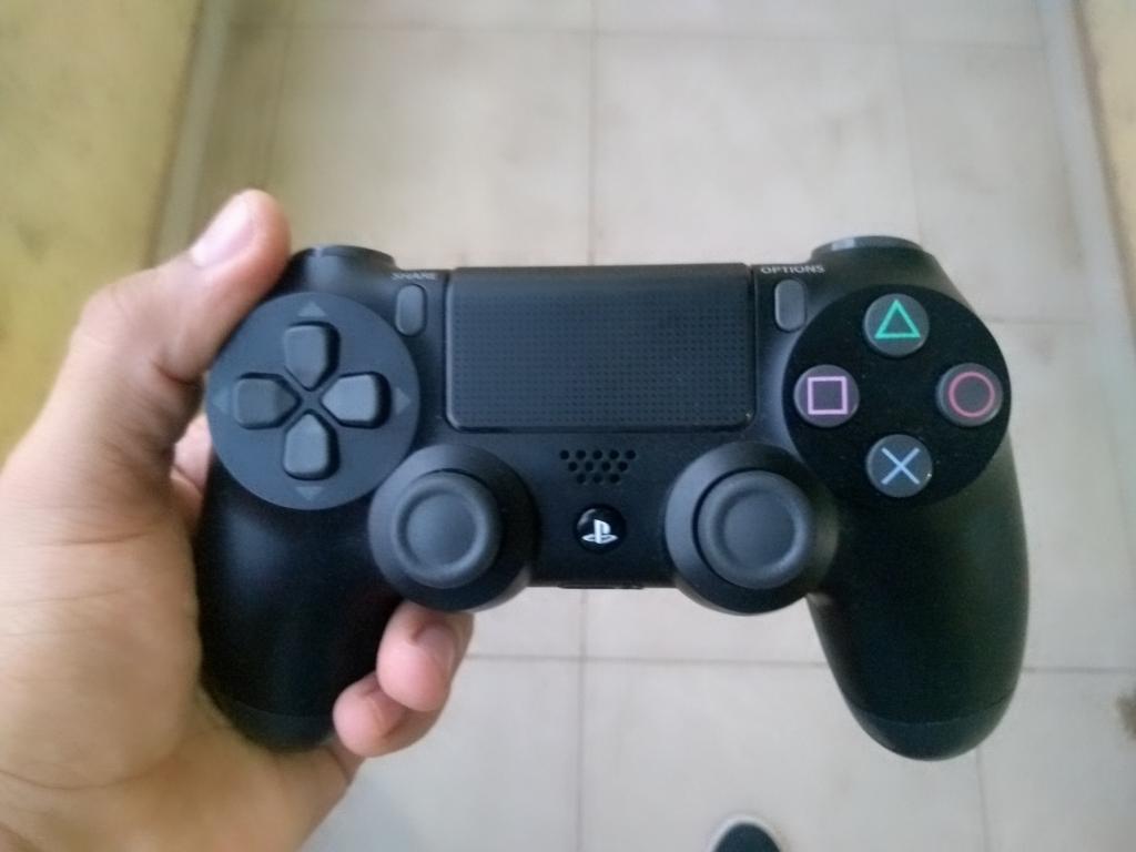 Vendo Control de Ps4 Original 2 Generaci