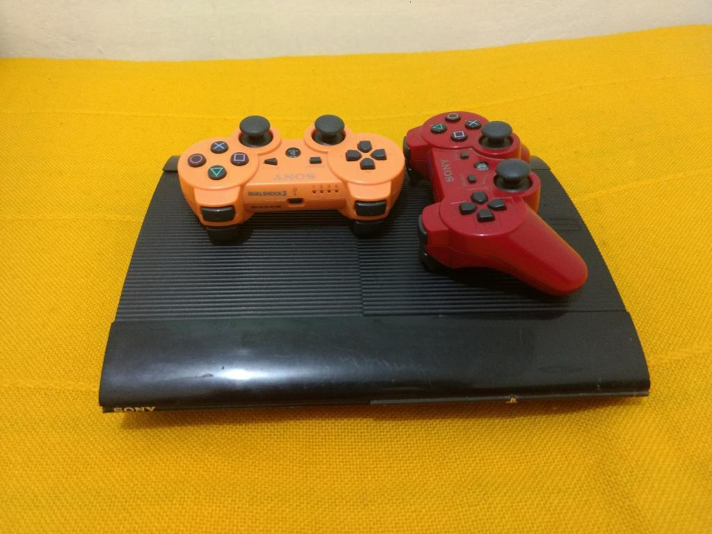 Vendo Ps3 con Dos Controles Y 16 Juegos!