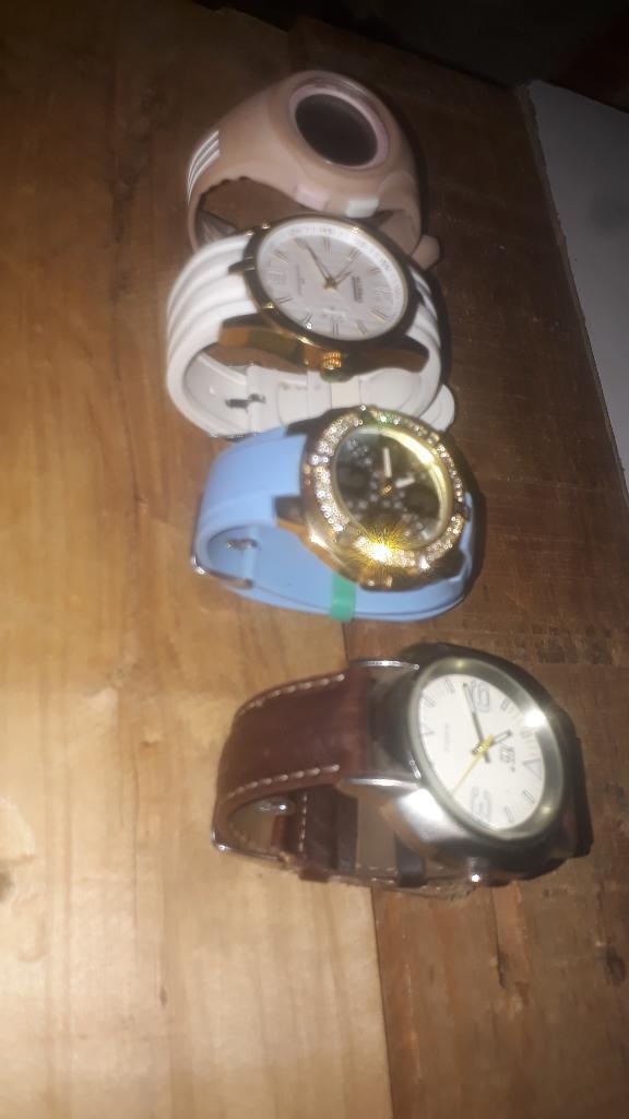 Vendo Mis 4 Relojes
