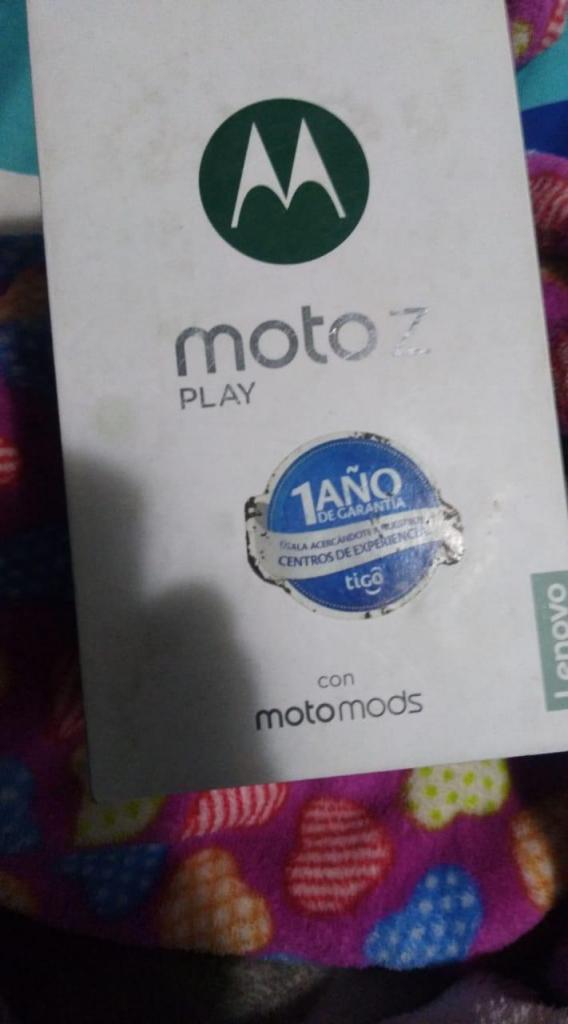 Vendo Celular Moto z play para repuesto y Mods parlantes jbl