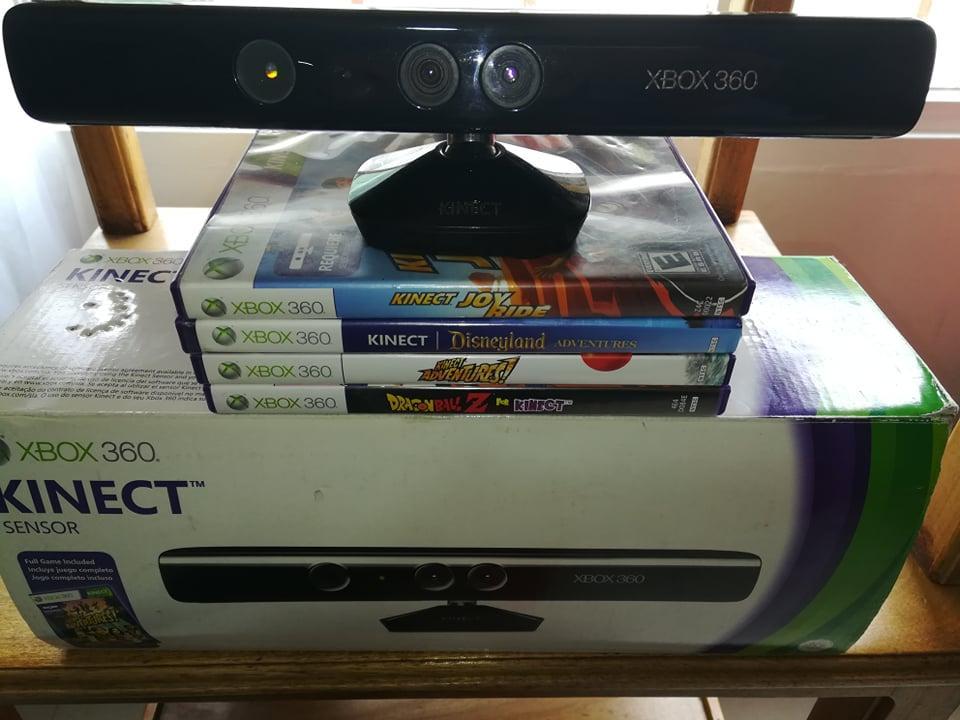 Kinet Xbox 360 con cuatro juegos.