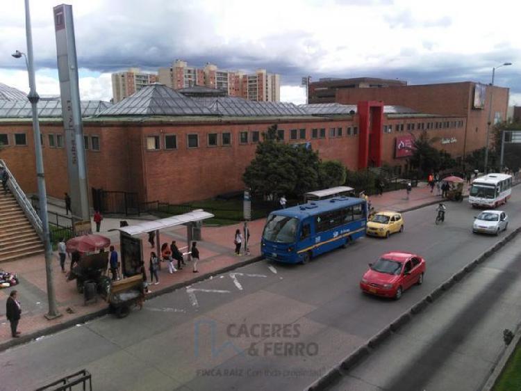 Cod. ABCYF20555 Local En Arriendo En Bogota Suba