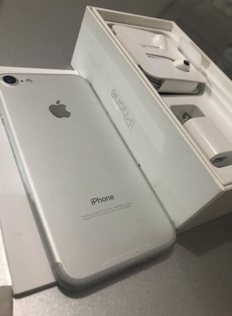 iPhone 7 32Gb White Como Nuevo Accesorio