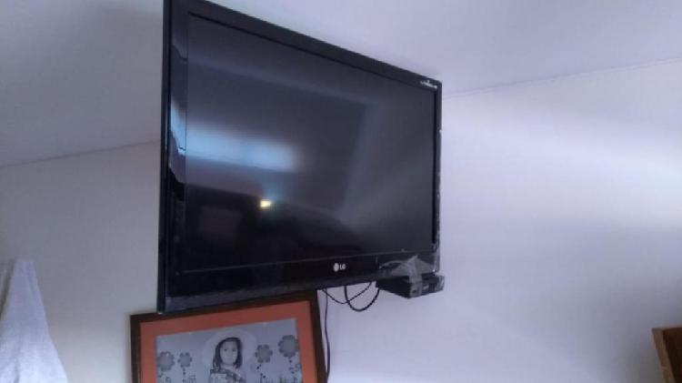 televisor lg full HD 32 PULGADAS
