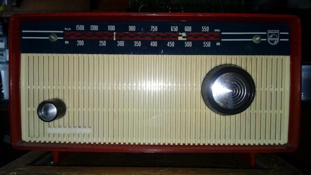 Vendo Radio Antiguo de Tubos Philips