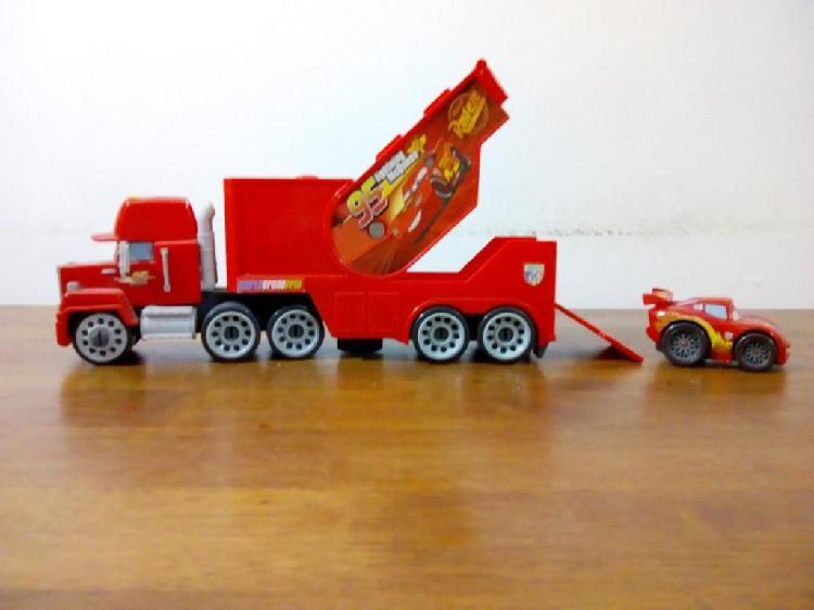 Camion Mack con Rayo Mcqueen