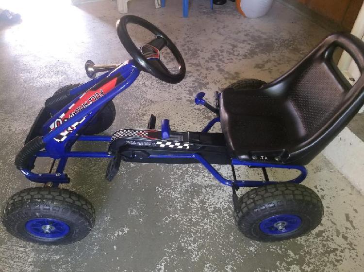 Vendo Carro de Pedal para Niño