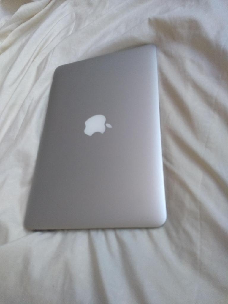 portatil macbook air 11 core  gb de ram 128 disco