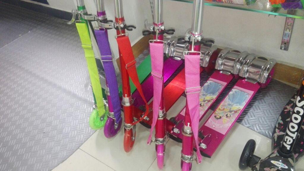 Scooter Aluminio Patineta Rosada Niños 3 Ruedas Juguete