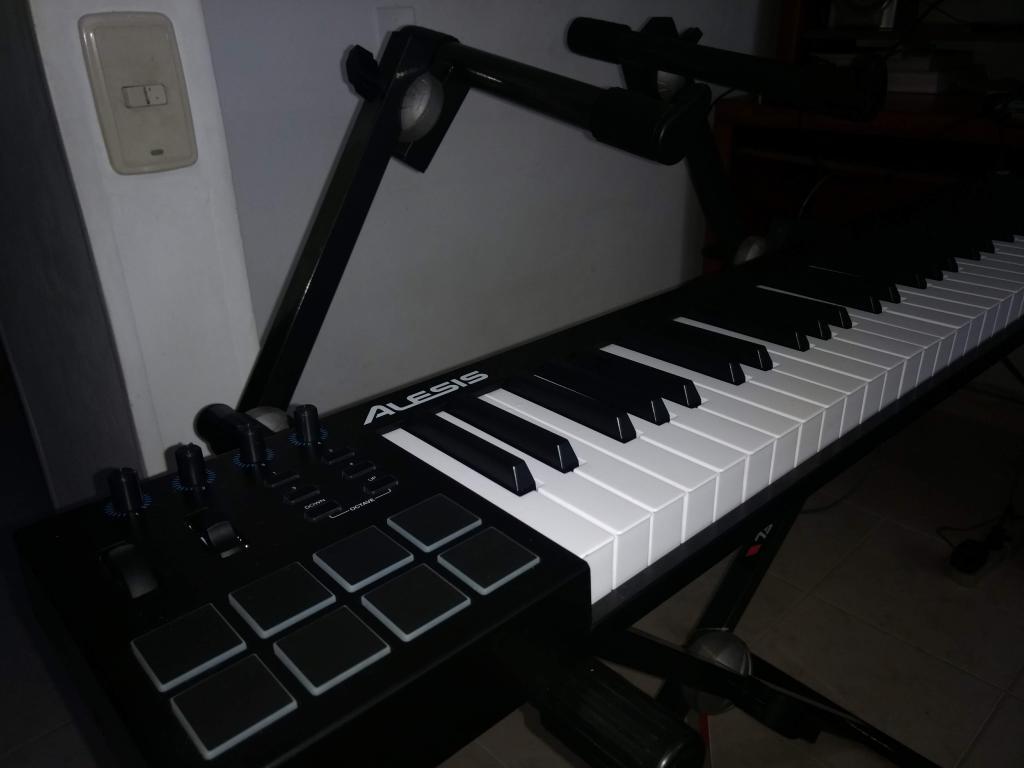 Controlador MIDI y Base doble para piano