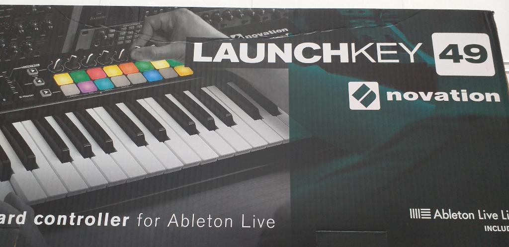 Controlador Midi Novation Launchkey 49