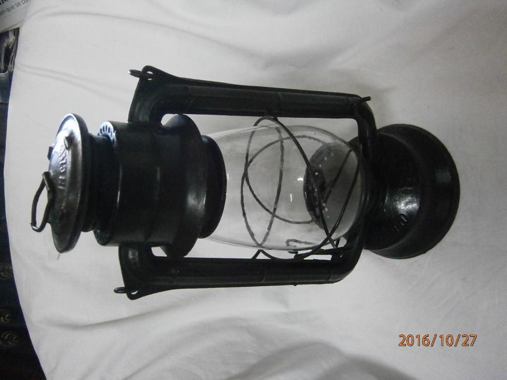 Lámpara de mecha antigua marca Meva 866 Made in