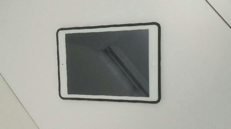 iPad Air 16 Gb Blanco Excelente, Cambio