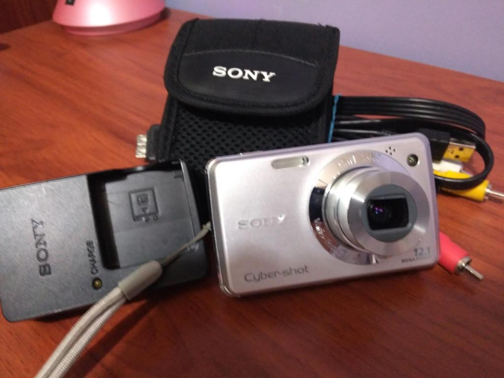 Casi Nueva!! Camara digital marca Sony