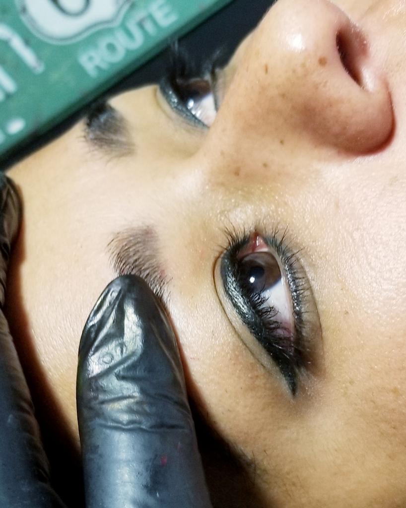 Líneas de Ojos con Micropigmentacion