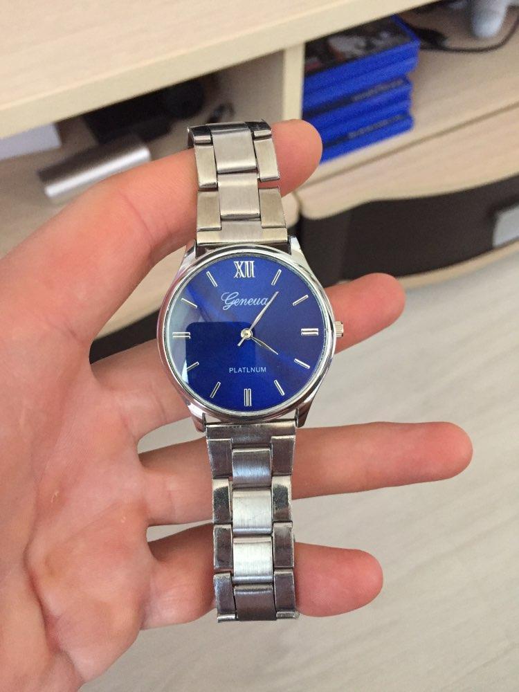 Reloj Elegante De Lujo Diseño
