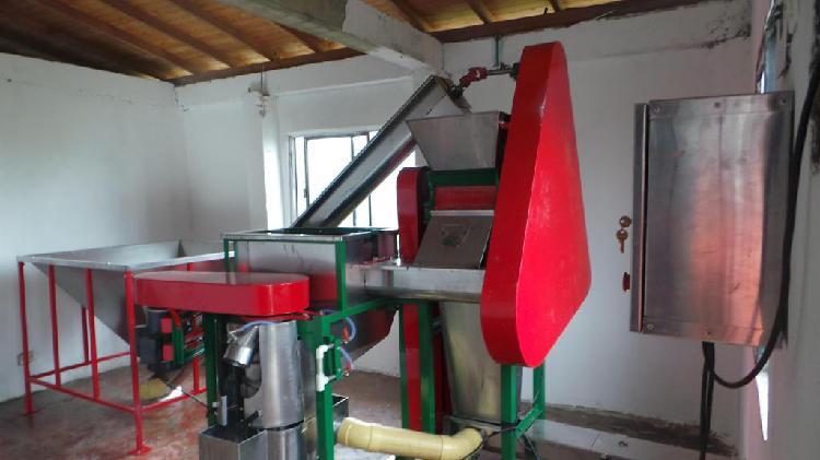 Beneficiadora de café Ecologica más Silo a gas
