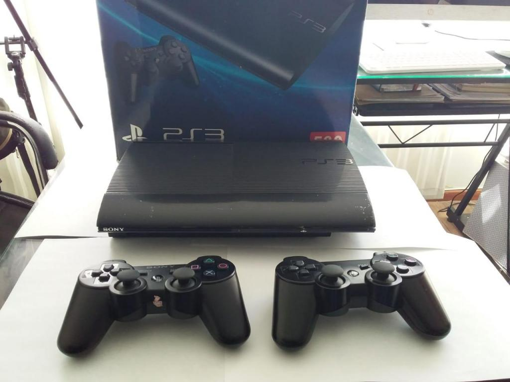 VENDO PS3 EN PERFECTO ESTADO – 40 JUEGOS 2 CONTROLES 500