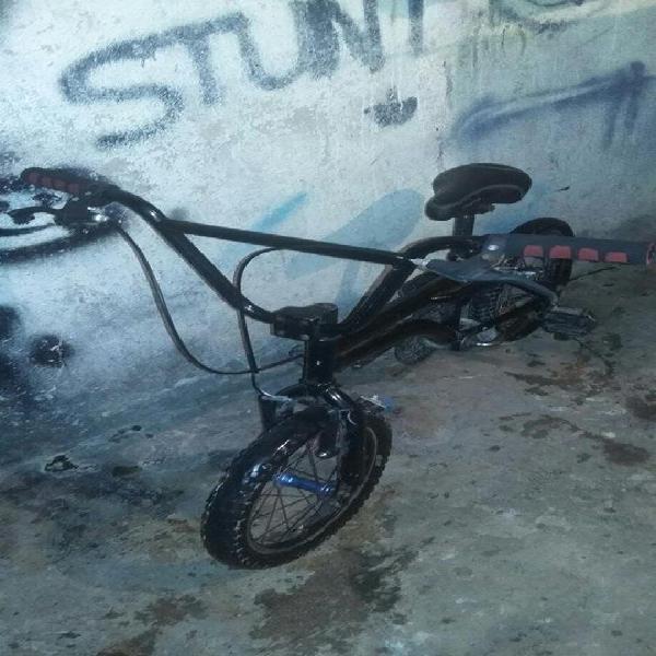 Bicicleta Gw 16 de stunt vendo o cambio por celular o un