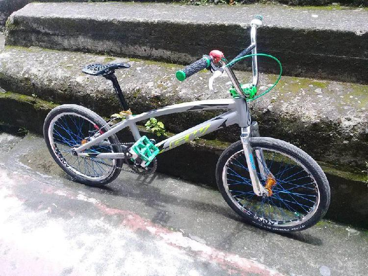 Vendo Bicicleta GW elite 2018 en aluminio