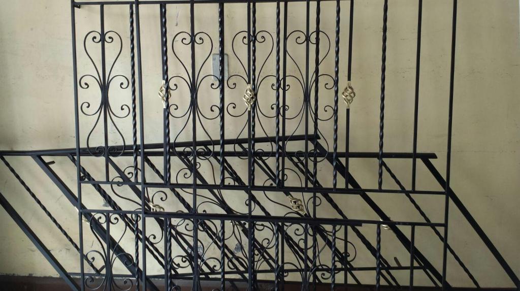 Rejas de seguridad...,Puertas de seguridad para niños.