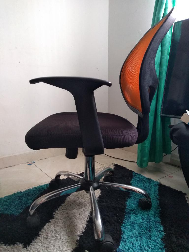Silla gerente ergonomica tap malla rigida posot class for Silla giratoria ergonomica