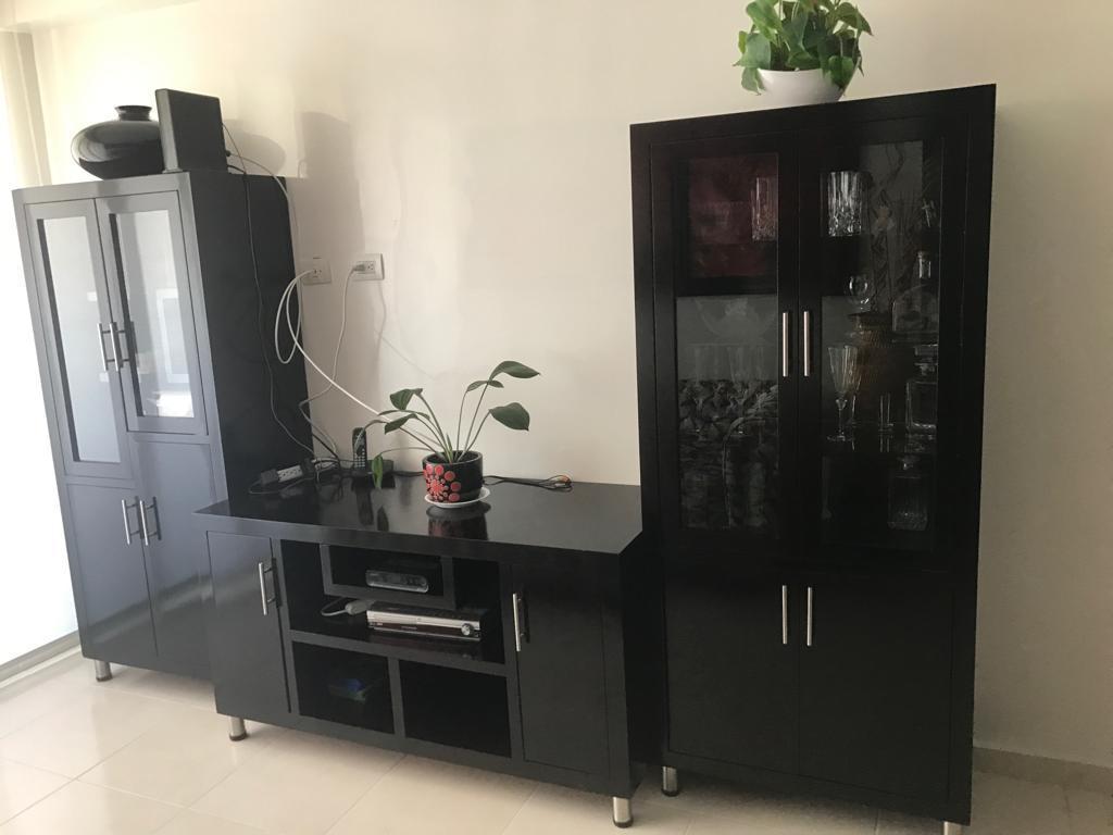 Vitrinas mueble de TV para Sala color wengue madera cedro