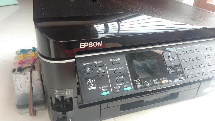 Impresora TX720FWD sistema de tinta continuo casi nueva.