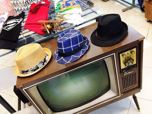 Vendo hermoso televisor antiguo