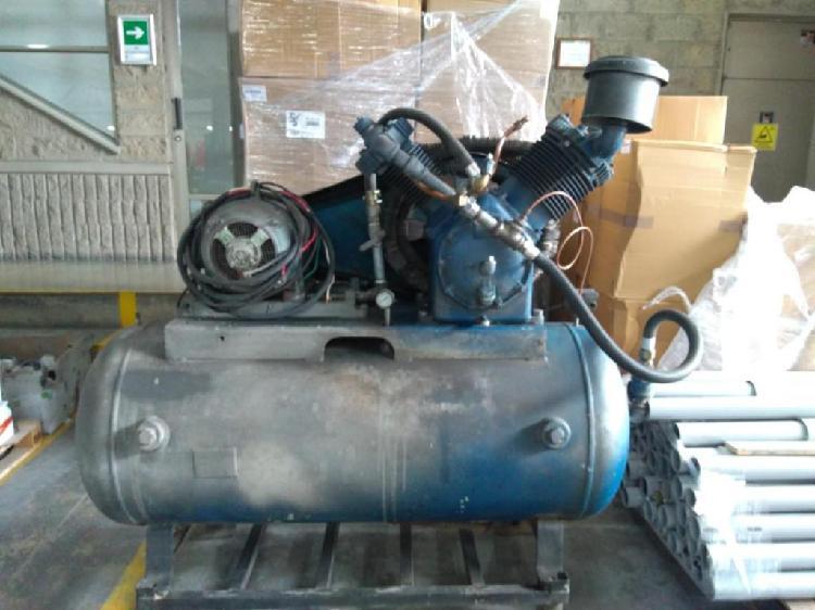 Compresor para aire de 12 hp.