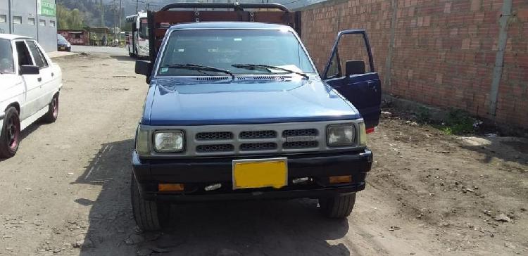 Mazda 2200 buen estado