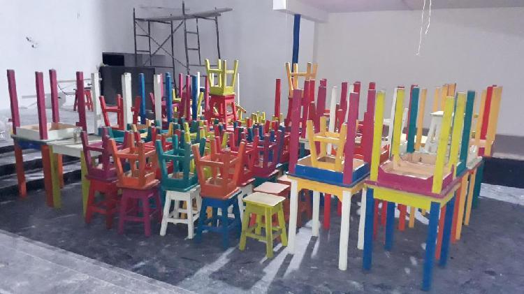 Vendo mesas y bancos de madera