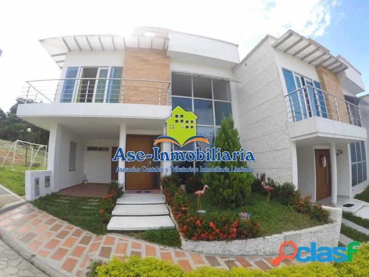 Vendemos hermosa casa barrio - COLINAS DEL VALLE