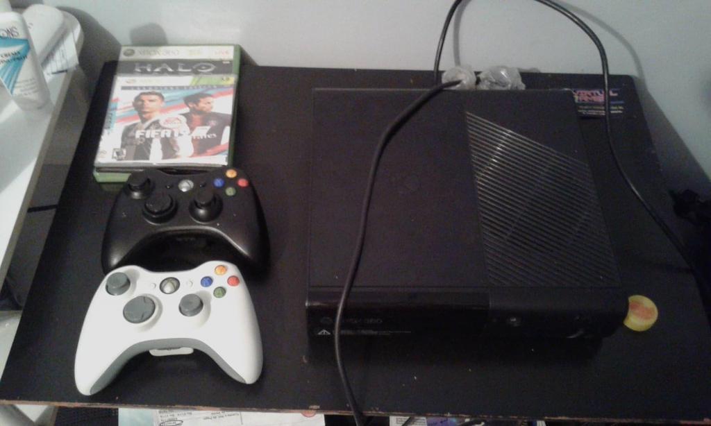 Vendo Xbox 360 Super Slim o cambio por celular