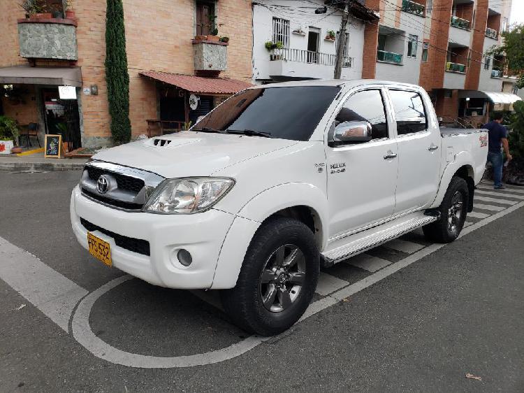 Vencambio Toyota Hilux Vigo 4x4 3.0 2011